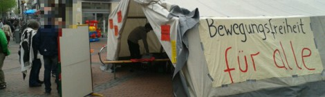 Das Zelt steht! The tent is open!  کمپین اعتراضی پناهجویان در شهر گوتینگن آغاز شد
